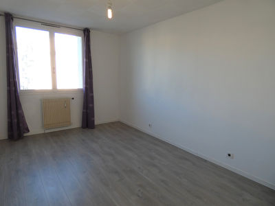 APPARTEMENT 2 PIECES ST JACQUES